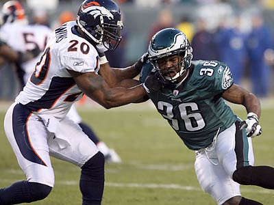 Brian Westbrook was in the game for 23 of the Eagles' 67 offensive plays and had 11 touches. (Yong Kim/Staff Photographer)