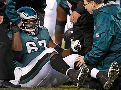 Eagles center Jamaal Jackson will miss the rest of the season with a torn ACL, coach Andy Reid announced today. (Ron Cortes/Staff Photographer)