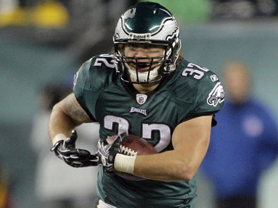 Fullback Owen Schmitt was cut by the Seahawks before joining the Eagles. (Yong Kim/Staff Photographer)