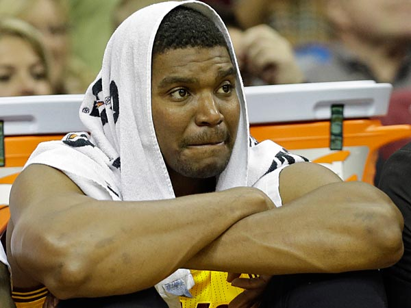 The biggest favor Andrew Bynum did for the Sixers was leave. (Mark Duncan/AP)