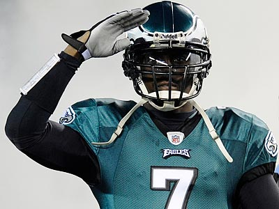 Will Michael Vick be the key to an Eagles victory over the Packers? (Michael Perez/AP)