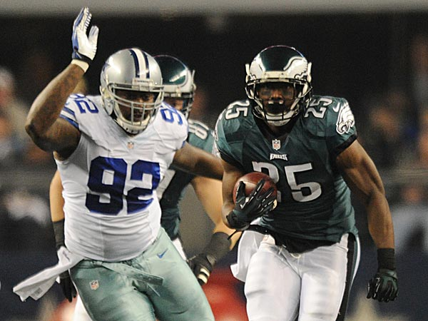 Eagles beat Cowboys to win NFC East
