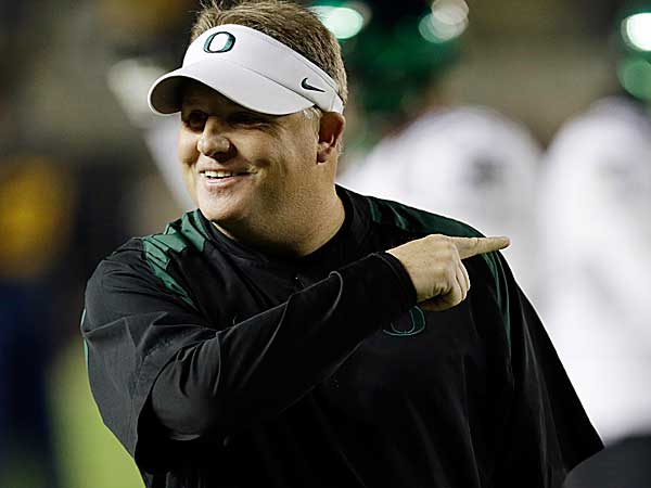 University of Oregon coach Chip Kelly is the Eagles prime target, according to two NFL senior personnel officials. (Marcio Jose Sanchez/AP file photo)