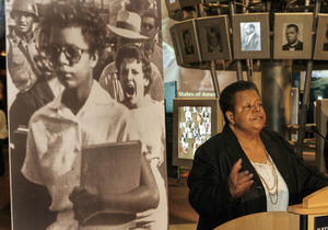 Flanked by the world-famous photo of her reporting for classes at Little Rock Central High School in 1957, Elizabeth Eckford spoke at the National Constitution Center.