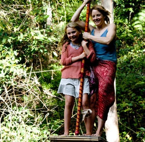 """Abigail Breslin (left) and Jodie Foster are two of the three stars of """"Nim's Island,"""" a tween adventure that includes Gerard Butler."""