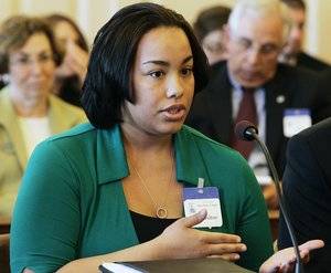 Vanessa Frost, 18, testifies before the New Jersey Assembly Higher Education Committee in Trenton.