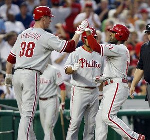 Jimmy Rollins hits a two-run homer last night against the Nats. He´s looking forward to facing the Cardinals this weekend.