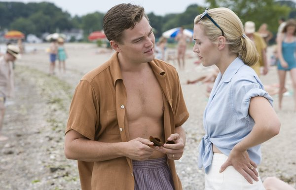 Leonardo DiCaprio and Kate Winslet as the Wheelers, who seem to outsiders to be a golden pair. In reality, they are unfulfilled and quarrelsome.