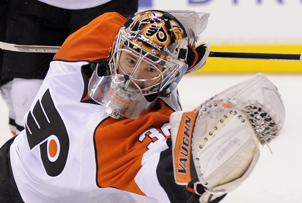 Flyers goalie Antero Niittymaki was injured during Saturday's shootout loss to Los Angeles Kings.