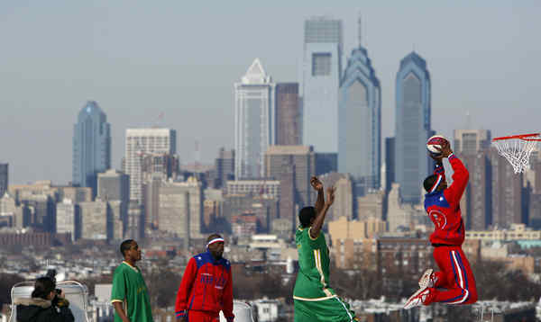 With the Philadelphia skyline as a backdrop, the Globetrotters take their act to the top of the Spectrum in 2009.