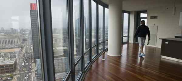 The 23d floor of the Murano offers a view of the city´s skyline. The development at 21st and Market has 178 condo units that never moved. Forty of them will be sold at auction at below-list prices.