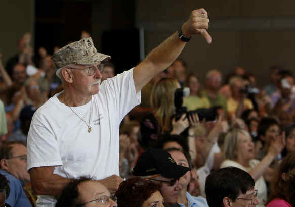 Richard Junod gave a thumbs-down at the town hall meeting at the National Constitution Center.
