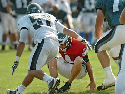 Eagles backup quarterback Kevin Kolb suffered an MCL sprain in his left knee and will miss the first preseason game. (Clem Murray / Staff Photographer)
