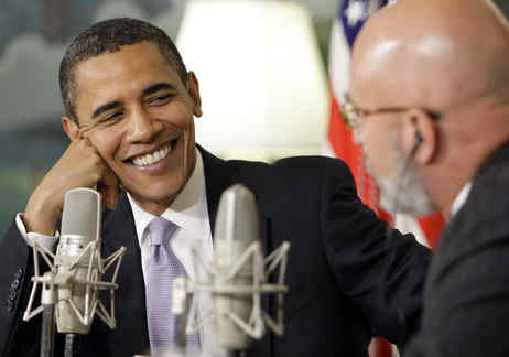 President Obama and Michael Smerconish talk about health care and other issues at the White House, where the Philadelphia radio talk-show host was a guest. (ALEX BRANDON / Associated Press)