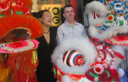 Co-owners Michael O´Halloran and Sophia Lee opened with a traditional Chinese dragon dance.