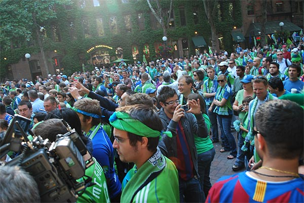 Seattle Sounders fans at Pioneer Square before their game against Barcelona this past August. (Jonathan Tannenwald/Philly.com)
