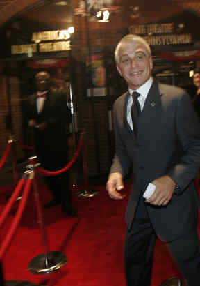 At the Barrymore Awards , Tony Danza steps onto the red carpet at the Walnut. He´s teaching at Northeast High for a reality show and presented an award to Lantern Theater for its education program.