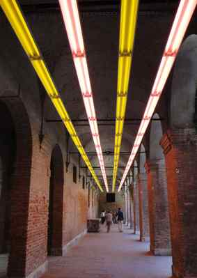 At the Biennale, Bruce Nauman´s Pink and Yellow Light Corridor (Variable Lights).