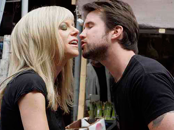 Kaitlin Olson and Rob McElhenney shooting a scene in 2007. BONNIE WELLER / Staff Photographer