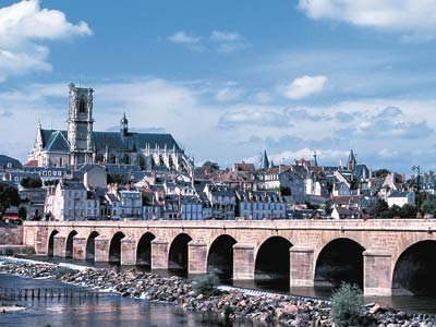 The Cathedral of St-Cyr-et-Ste-Juliette, along the Loire in Nevers, Burgundy, shows a range of architectural styles, from the 10th to the 16th centuries.