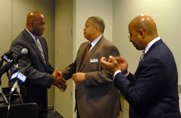 In addition to joining Mayor Nutter in endorsing state Sen. Anthony Hardy Williams for governor, state Rep. Dwight Evans (left) got a budget through the state House.