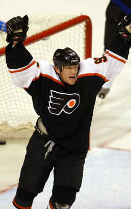 "Jeremy Roenick with the Flyers in 2004, his final season in Philadelphia.""This is like a dream matchup for me,"" the NBC analyst says."