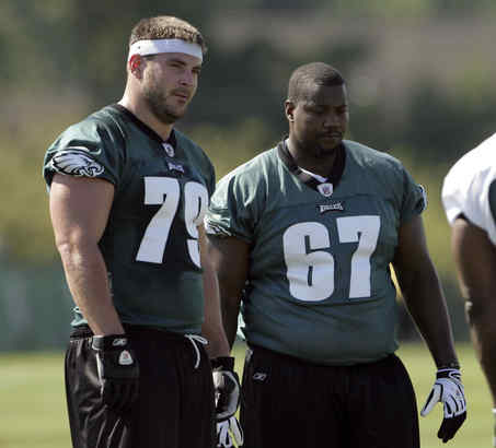Offensive linemen Todd Herremans (left) and Jamaal Jackson aren´t a problem for the Eagles when they are healthy. As for their linemates, that may turn out to be a different story.