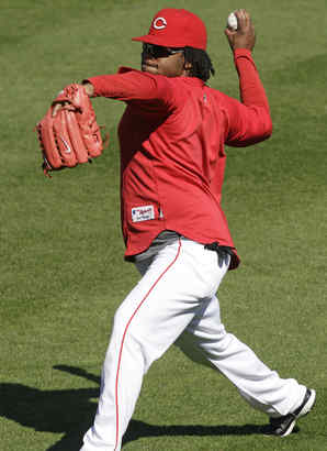 Johnny Cueto will start Game 3 for the Reds. He´s been so-so against the Phils but has succeeded at home, where he´s 6-3.