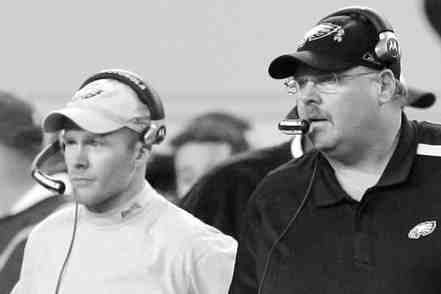 Andy Reid (right) hired from within when he named Sean McDermott the team´s defensive coordinator in 2009.