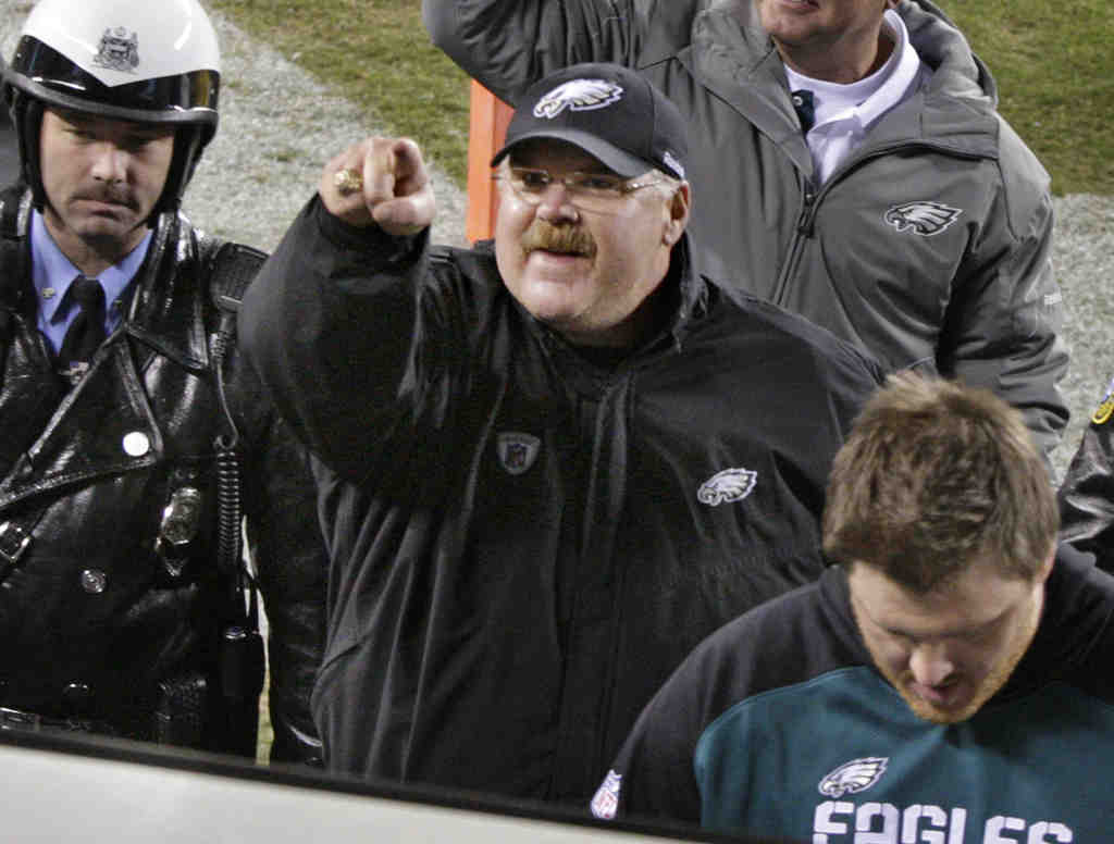 Despite all the second-guessing, the Eagles are in first and coach Andy Reid´s controversial decisions appear vindicated. The Birds have blossomed over the last three weeks, beating the Colts, Redskins, and Giants.