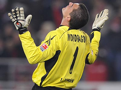 Colombian goalkeeper Faryd Mondragon could be moving to Philadelphia. (Daniel Maurer/AP file photo)