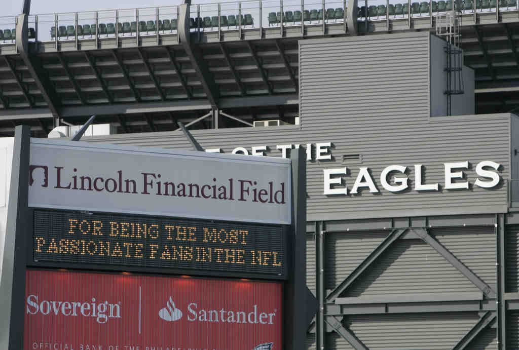 They like you, they really do. The Eagles take time to thank their fans via the electronic billboard outside The Linc.