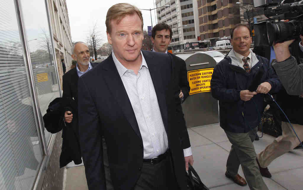 NFL commissioner Roger Goodell arrives for negotiations in Washington. Friday´s talks were the first with a mediator.