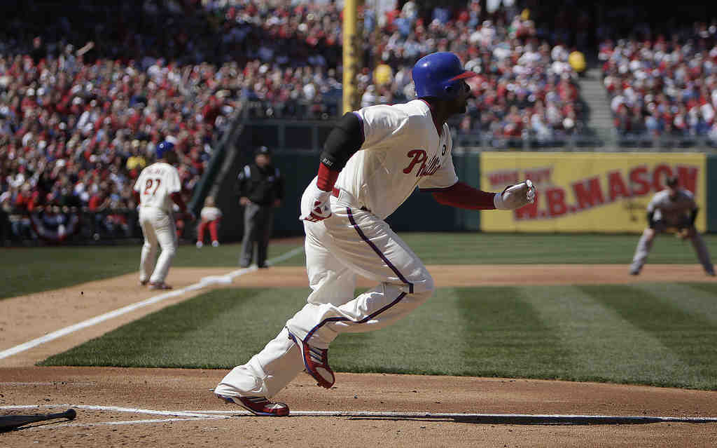 Ryan Howard breaks out of the box en route to a third-inning double.