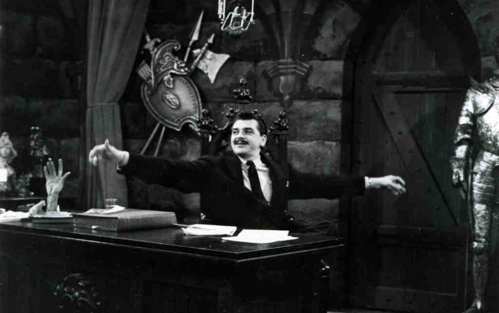 """Ernie Kovacs on the set of """"The Ernie Kovacs Show"""" on NBC. He appeared in several TV productions through the ´50s."""