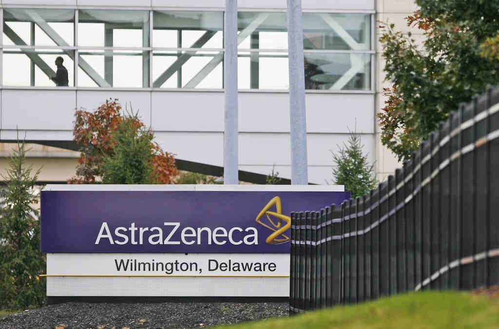 The pharmaceutical company plans to raze 450,000 square feet of lab space in three buildings at its Wilmington-area campus.