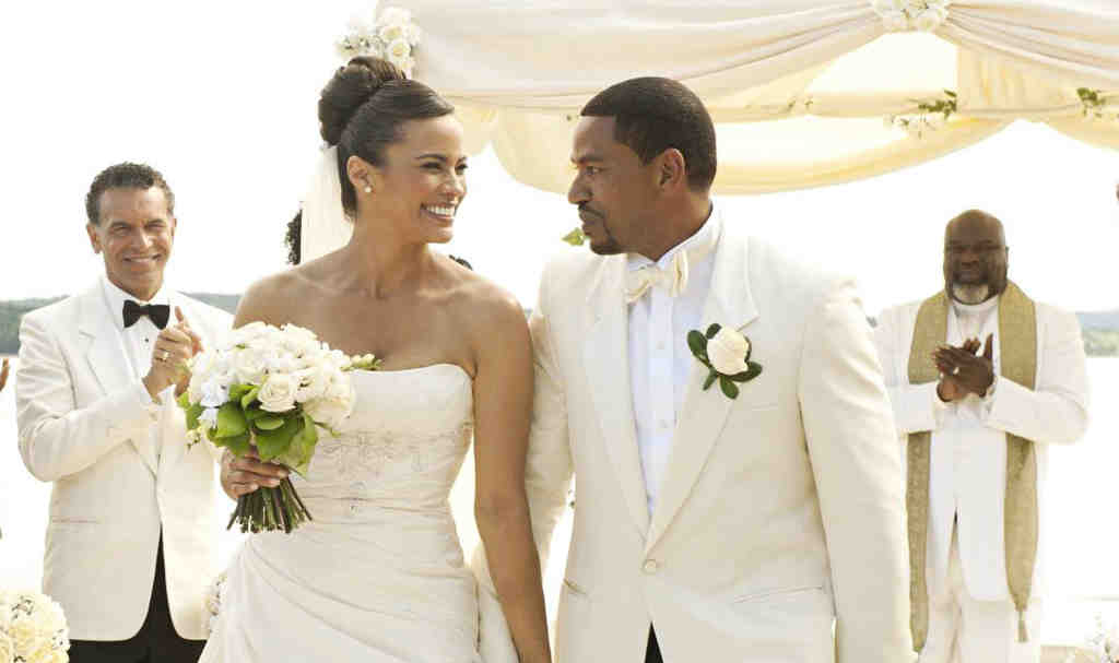 Paula Patton and Laz Alonso play a couple from opposite ends of the socio-economic spectrum whose wedding brings together their families.