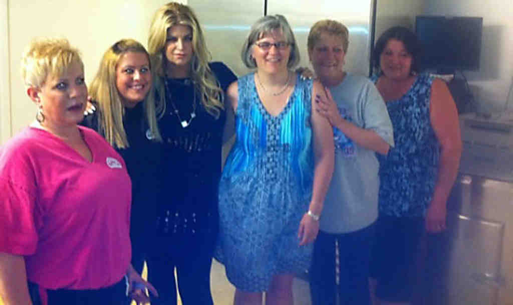 Kirstie Alley (third from left) with staffers Saturday at Brickette Lounge, in West Chester.