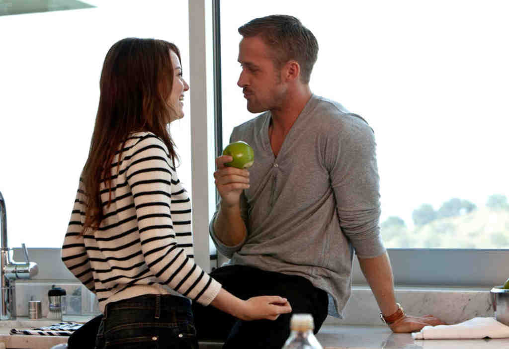 Ryan Gosling and Emma Stone play Jacob and Hannah, Hot Guy and Indifferent Girl.