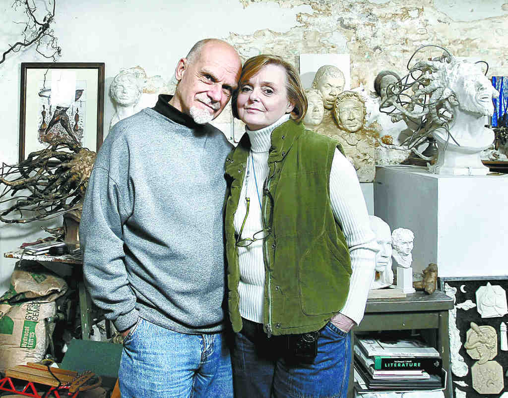 Frank Bender with his wife, Jan, in 2009. Both were battling cancer. At the time, he was expected to live no longer than eight months.