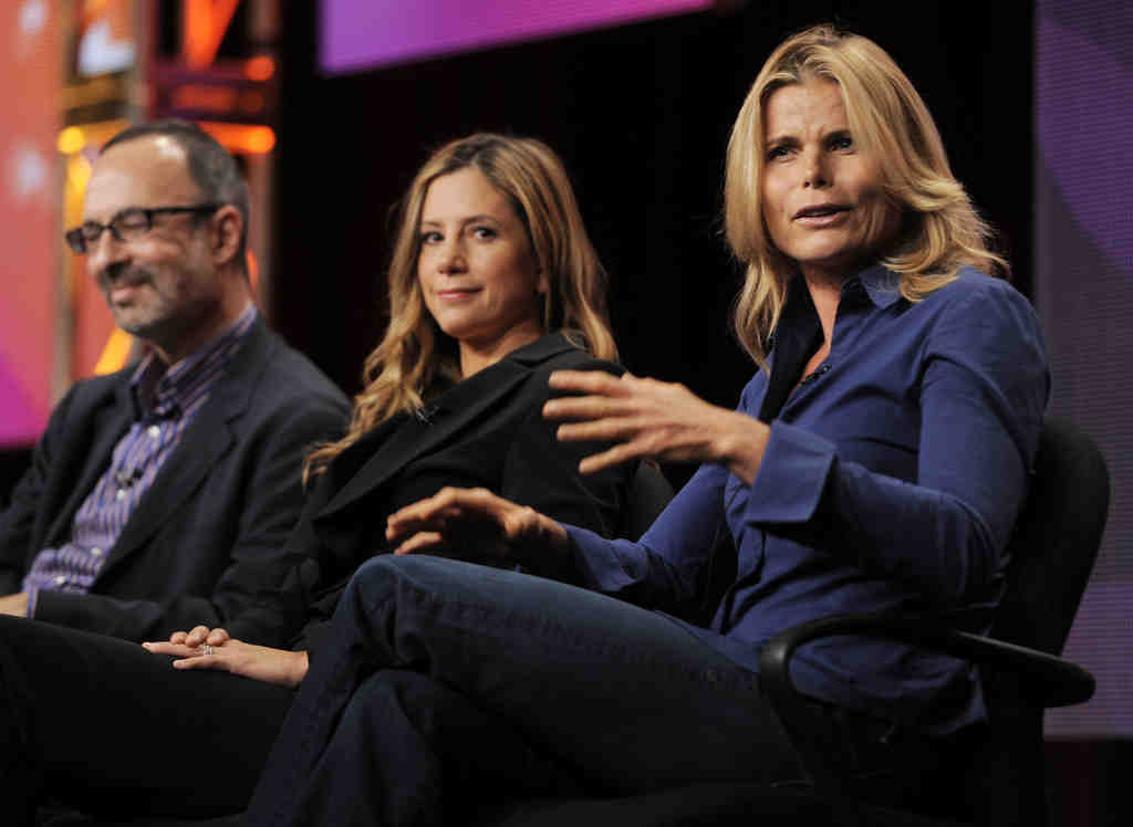 """Actresses Mariel Hemingway (right) and Mira Sorvino and filmmaker Robert Weide discuss PBS´s """"American Masters"""" program """"Seriously Funny - The Comic Art of Woody Allen."""""""