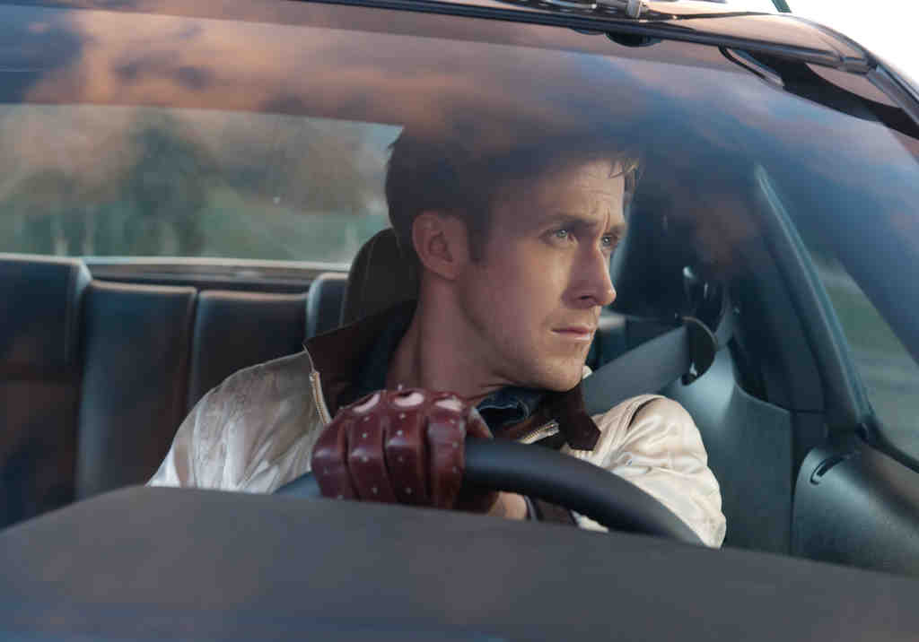 Ryan Gosling stars as Driver, stuntman and getaway guy, a knight in shining bomber jacket who´s soft on his neighbor and her young son.