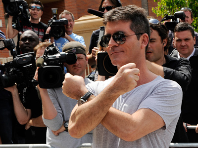 "Simon Cowell´s ""X"" for ""X Factor."" (Ray Mickshaw / FOX)"