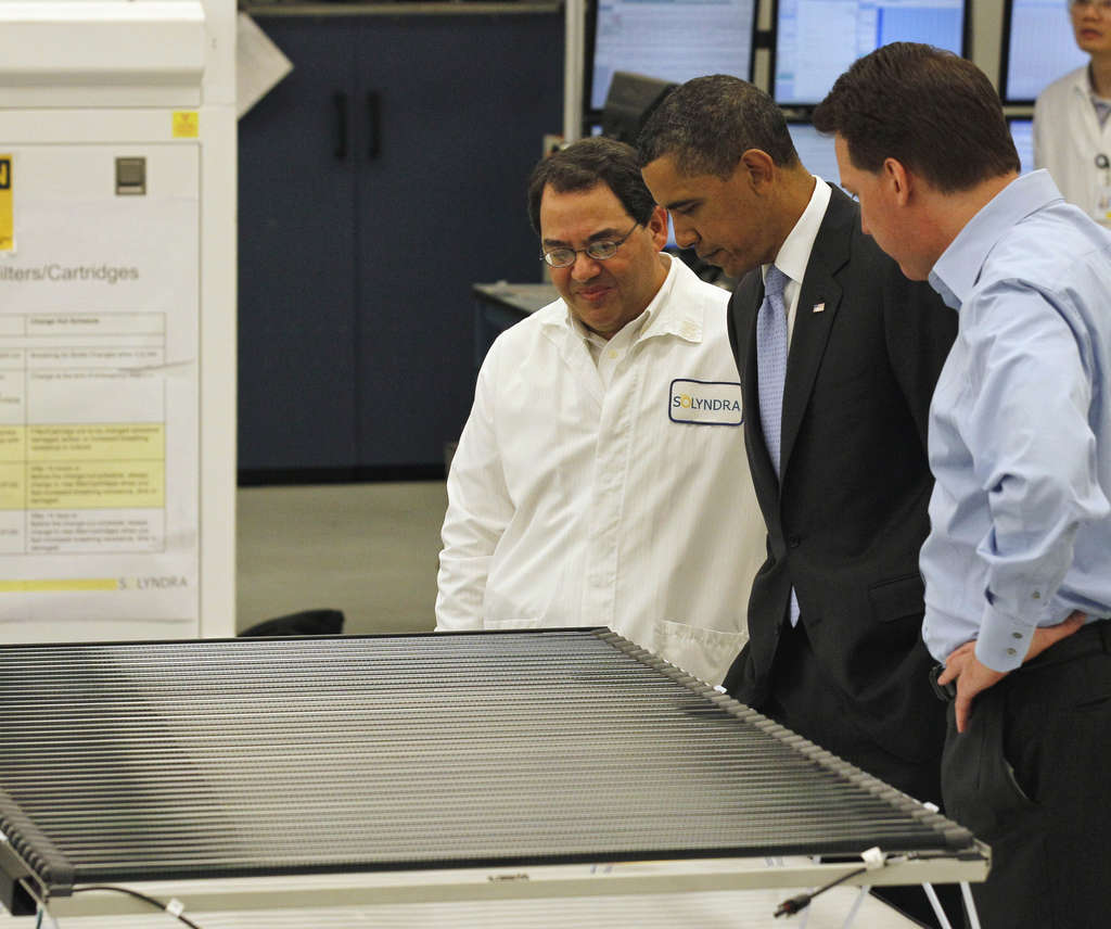 President Obama got a tour of Solyndra last year from executivevice president Ben Bierman (left) and founder Chris Gronet.