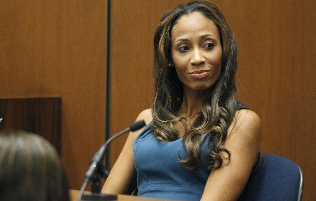Nicole Alvarez testifies in Conrad Murray´s trial.
