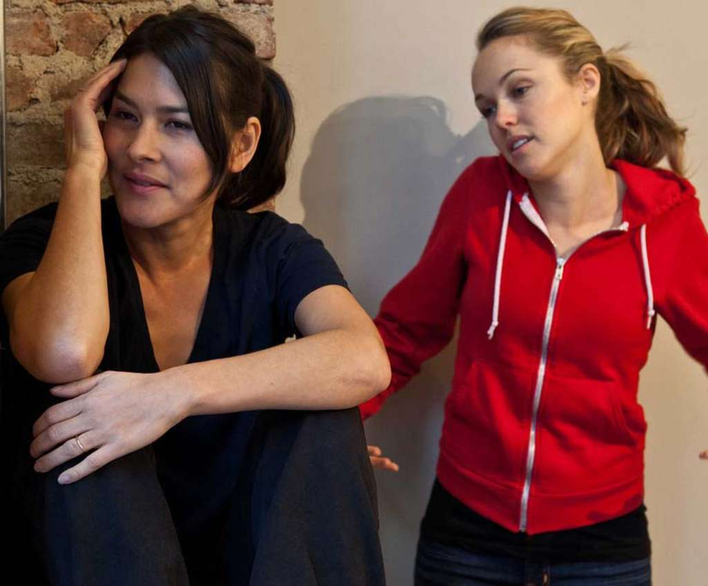 Mizuo Peck (left) plays the wife and Brianne Moncrief the kid sister in the Off-Off-Broadway production. It´s a sad drama with stereotyped characters, though some dialogue rings true.
