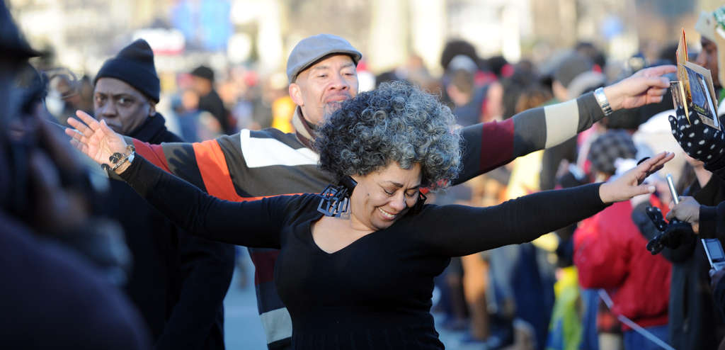 """Dancing down the line at the Museum of Art are event organizers Dyana Williams and Manwell Glenn. They were among 327 dancers at the tribute to the late """"Soul Train"""" creator and host Don Cornelius."""