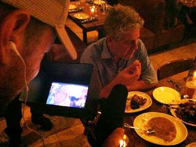 Anthony Bourdain at Zahav during his whirlwind trip. (Photo via @TVsuperstarr)