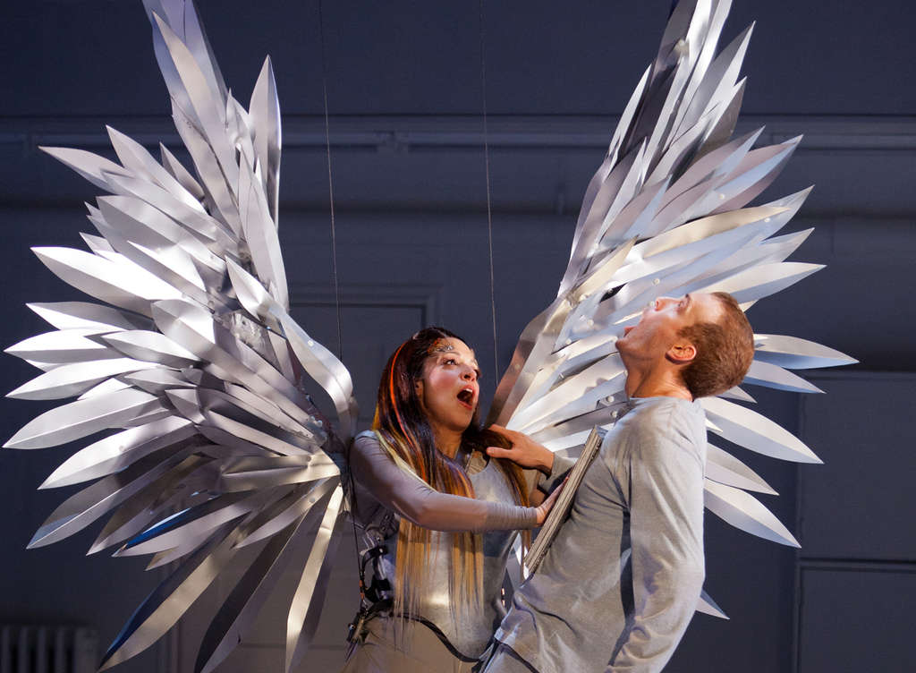 Maia DeSanti and Aubrey Deeker as the Angel and Prior Walter, who finds he has been chosen as the world´s new prophet.