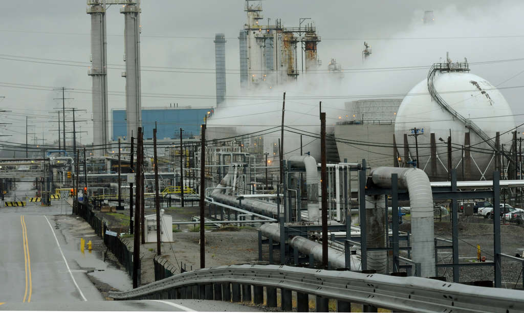 The Sunoco refinery in Marcus Hook will receive materials from W. Pa. for shipment to global markets.